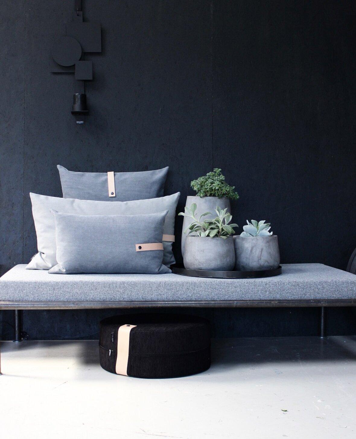 37a49401bde Sofapude fra Louise Smærup - Rå og cool i grå forvasket canvas