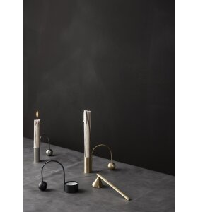 ferm LIVING - Balance Fyrfadsstage, Sort messing