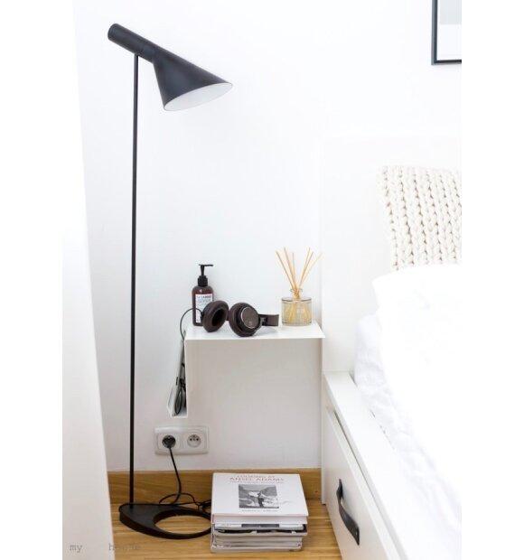 NICHBA DESIGN - Sengebord hvid - vælg højre/venstre