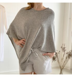 Care By Me - Lisa Poncho, Cashmere