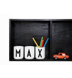 Design Letters - Børnekop i melamin -kun få varianter tilbage..